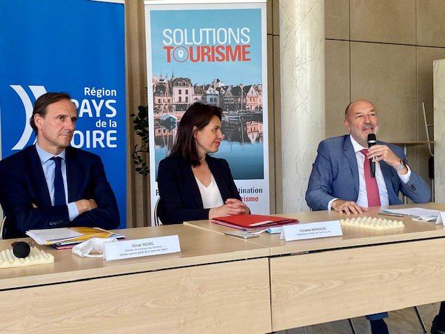 Tourisme : création d'une société foncière régionale, Une première en France